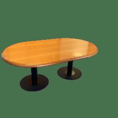 Cette table de réunion professionnelle que nous vous proposons est à la fois fonctionnelle, qualitative et esthétique.